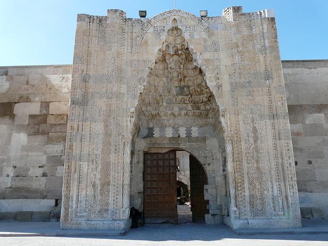 Sultan Han Kervansarayı Kesme Taştan yapılmış Giriş Kapısı, Aksaray